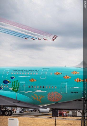 RAF Red Arrows flyby 2018 Farnborough Airshow
