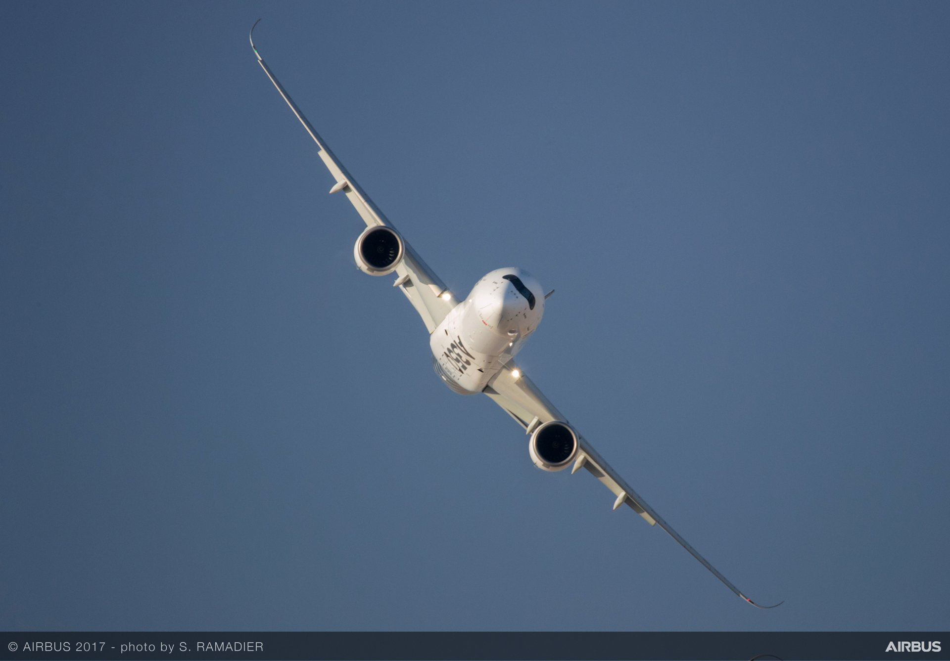 Airbus' A350 XWB took to the skies above Al Maktoum International Airport for a high-profile Dubai Airshow 2017 flying display