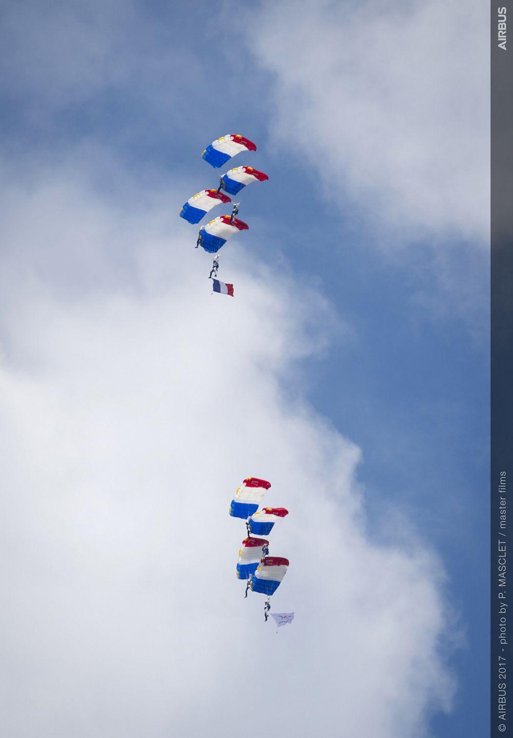 Paratrooper Flight Display - 24 June PAS 2017