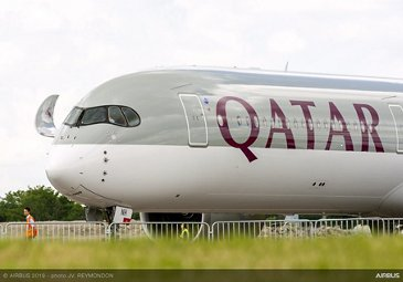 A350-1000 Qatar - Arrival at PAS2019 - before opening