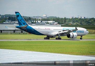 A330-900 Airbus Flight Display at Paris Airshow - PAS2019 Day 1