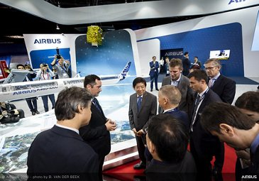 Singapore Airshow 2020 - Day 01 - Minister of Transport visiting Airbus Stand