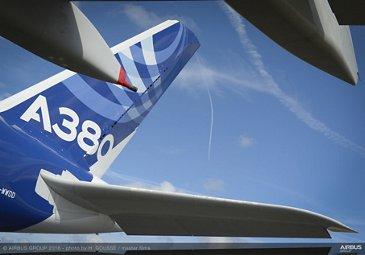 Farnborough Airshow_A380 arrival 4