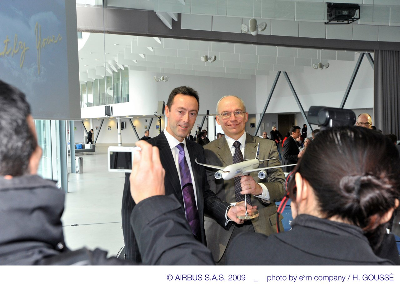 A350XWB_FAL_Ceremony1_Jan09