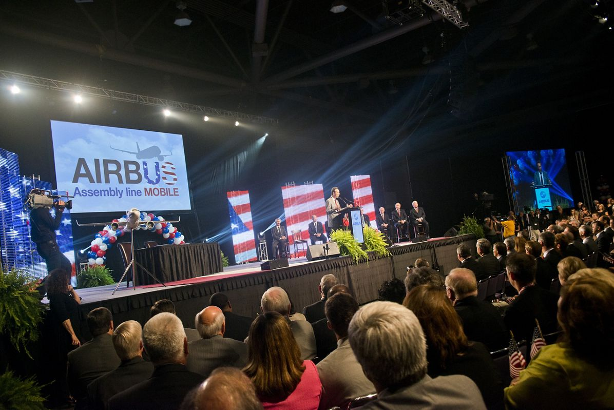 Airbus FAL Assembly Line Announcement, FAL Alabama announcement FB on stage 9885