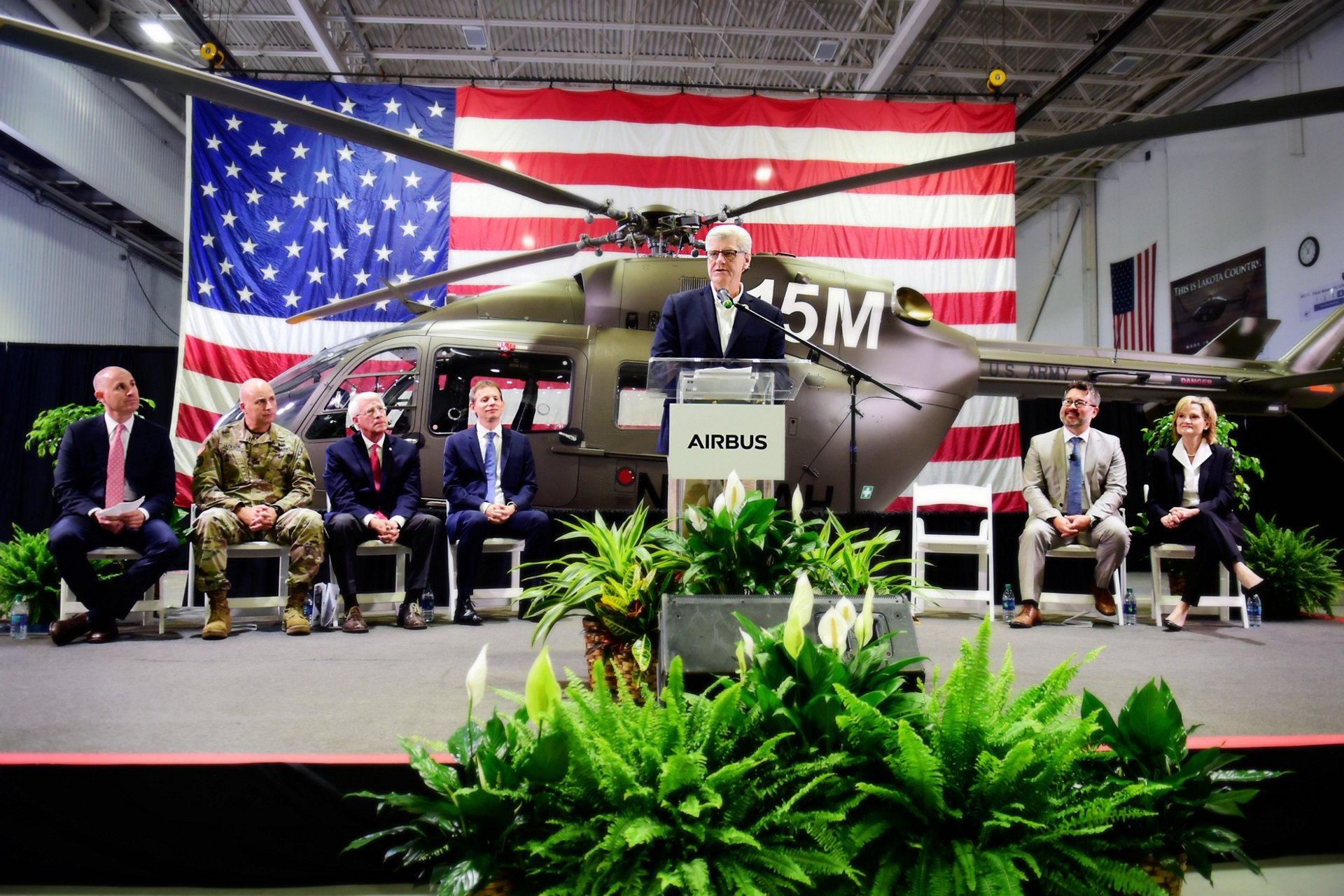 Mississippi Governor Phil Bryant congratulating Airbus Helicopters Inc.'s employees on the job well done.