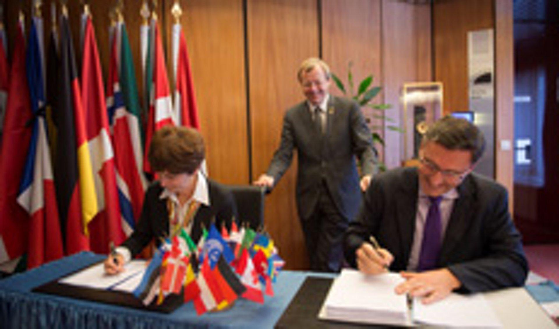 Signature with ESA
