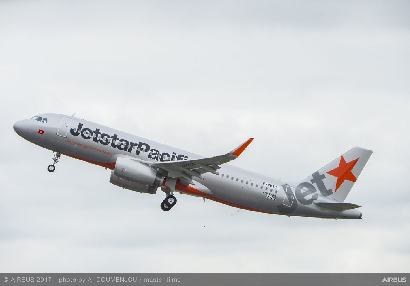 Jetstar Pacific takes delivery of its first A320ceo