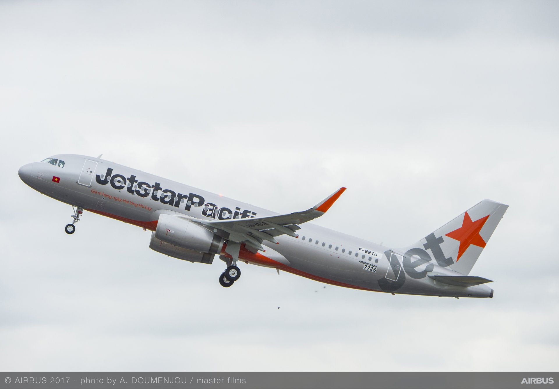 A320 Jetstar Pacific take off