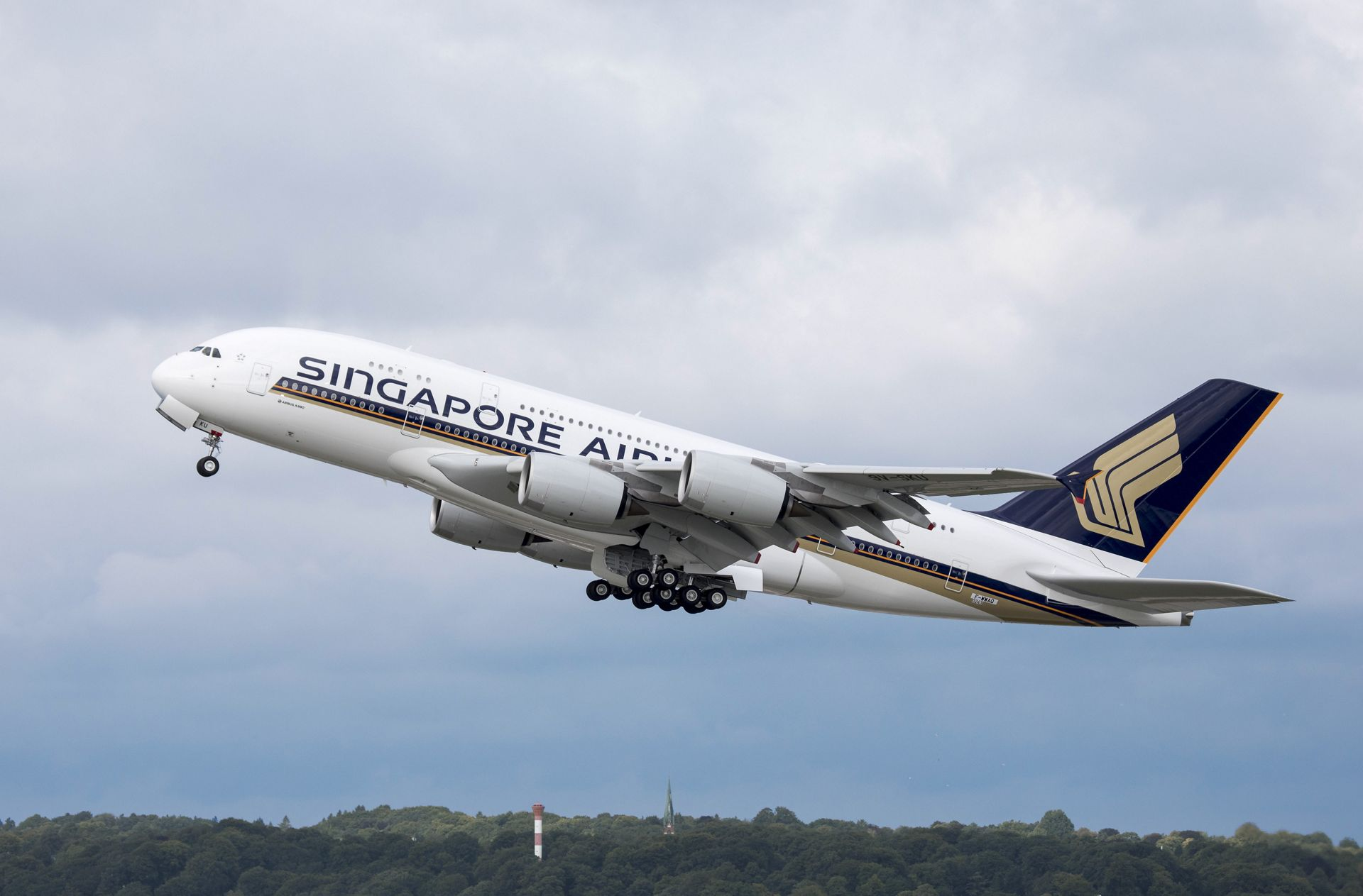 Sleeping Pods New Singapore Airlines A380 Takes To The Skies