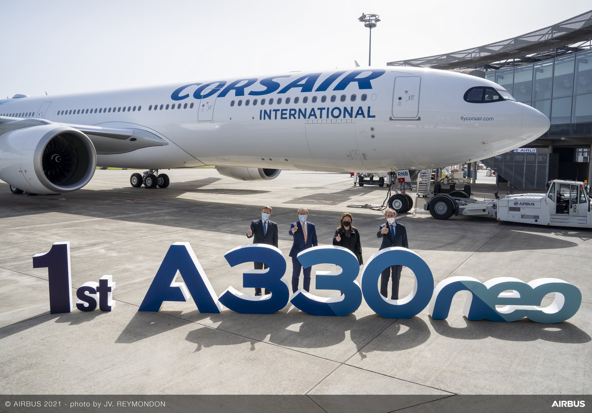 French airline Corsair takes delivery of its first Airbus A330-900 on lease from Avolon, which is powered by Rolls-Royce Trent 7000 engines; marking the delivery in Toulouse, France are (from left to right): Wouter Van Wersch, Airbus EVP, Head of Region and Sales Europe; Corsair CEO Pascal de Izaguirre; Estelle Janer, VP OEM & Contracts at Avolon; and Michel Dubarry, President, Rolls-Royce Europe & North Africa