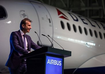 First A220 delivery to Delta Air Lines – Guillaume Faury