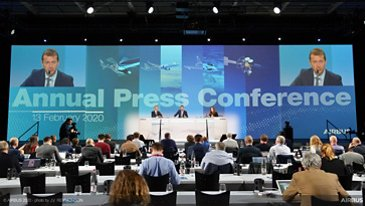 Airbus Results 2020 - ambiance on stage