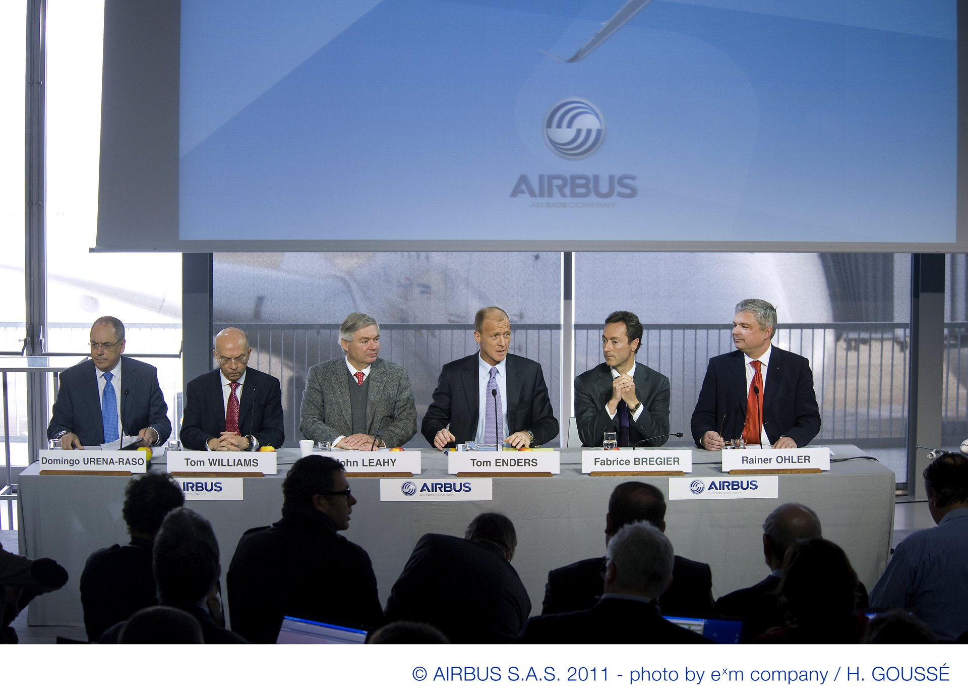 At its annual press conference held today in Toulouse, France, Airbus announced new record aircraft deliveries in 2010 with 510 commercial aircraft delivered to 94 customers, of which 19 were new (17 Jan 2011)