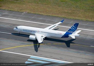 Airbus A220-300 Landing 2