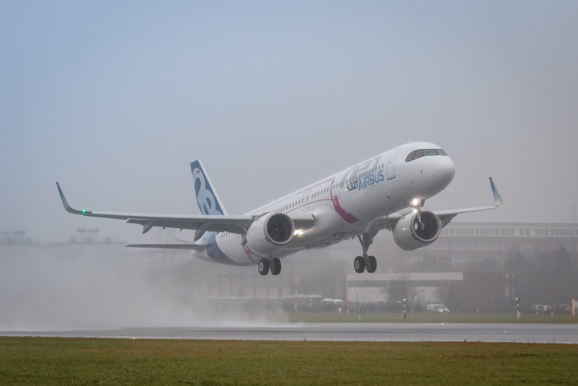 The first A321LR, able to carry up to 240 passengers 4,000 nautical miles, takes to the skies for its maiden flight