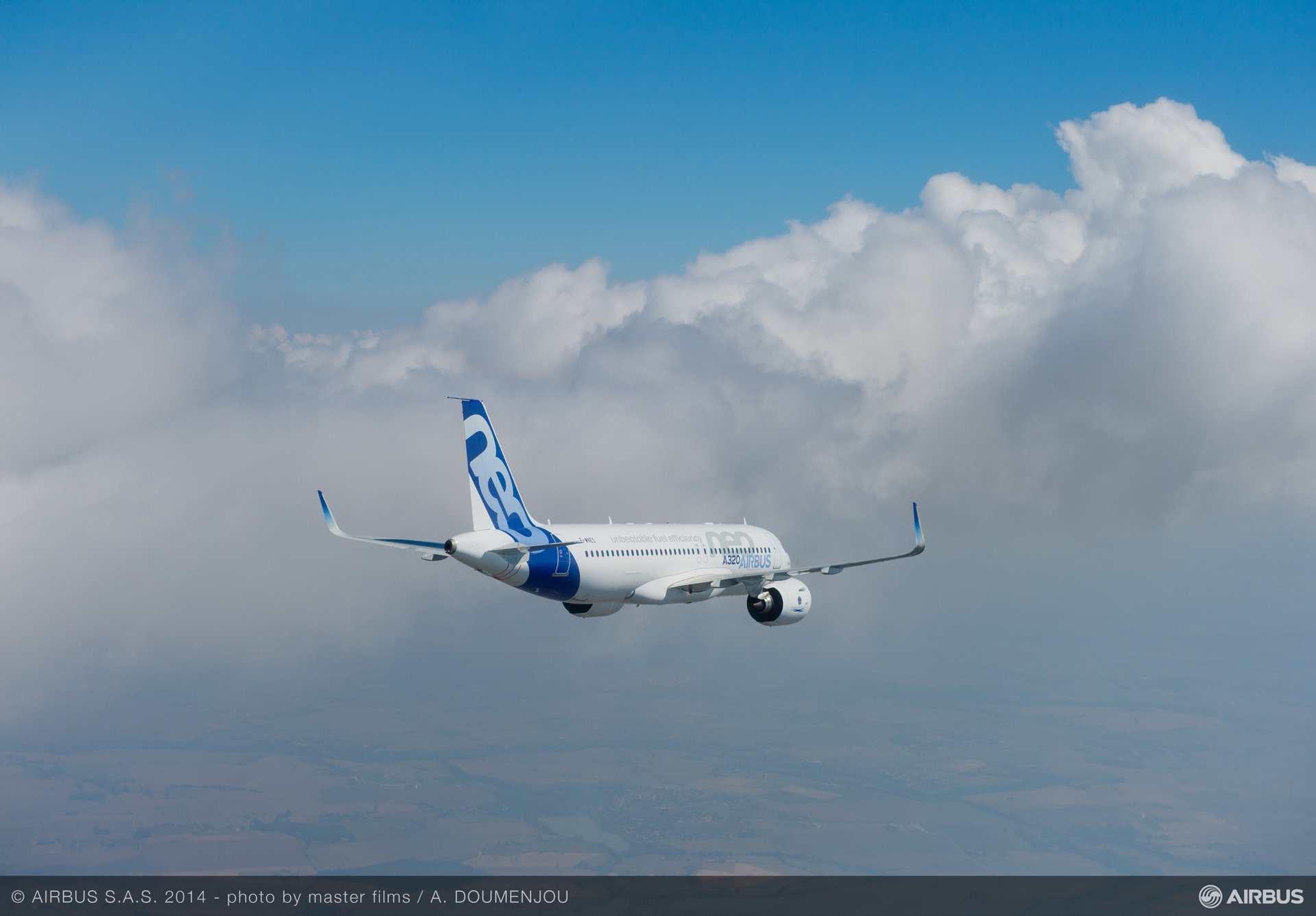 A320neo first flight air to air