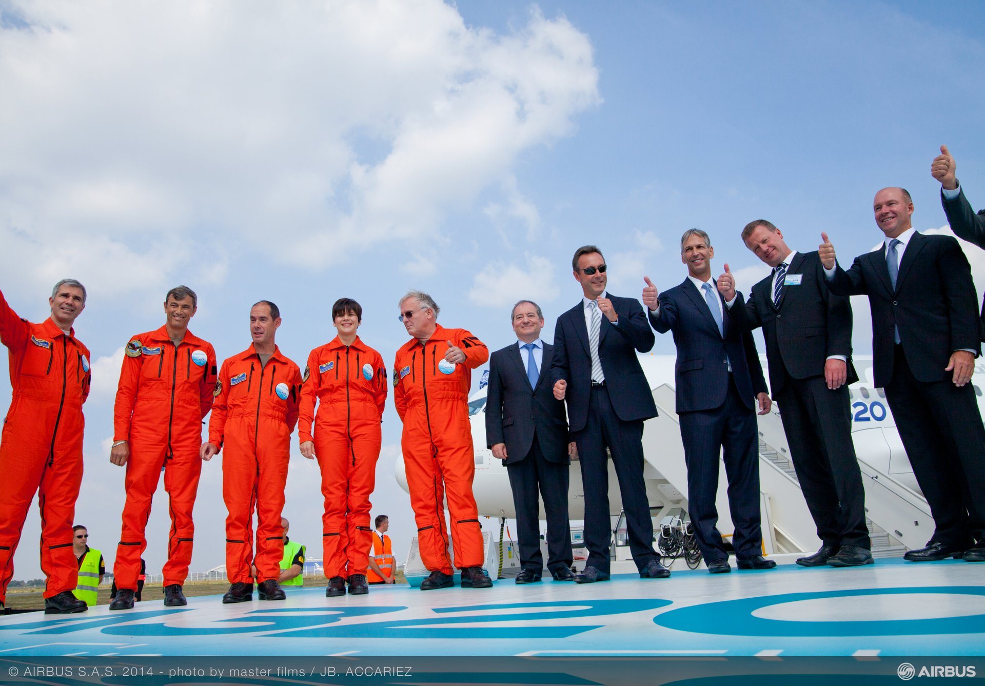 A320neo first flight crew and senior management 1