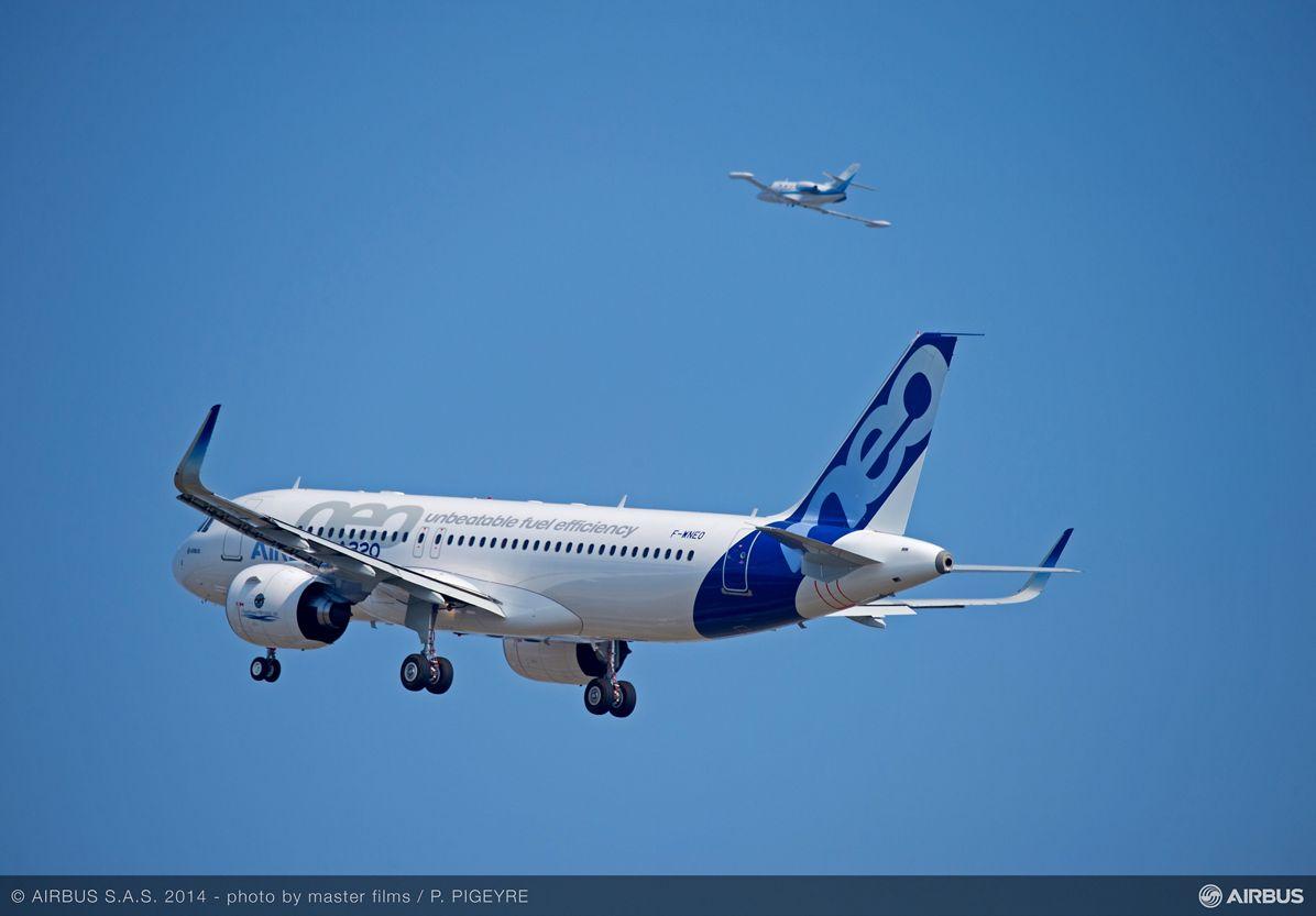 A320neo first flight takeoff 3