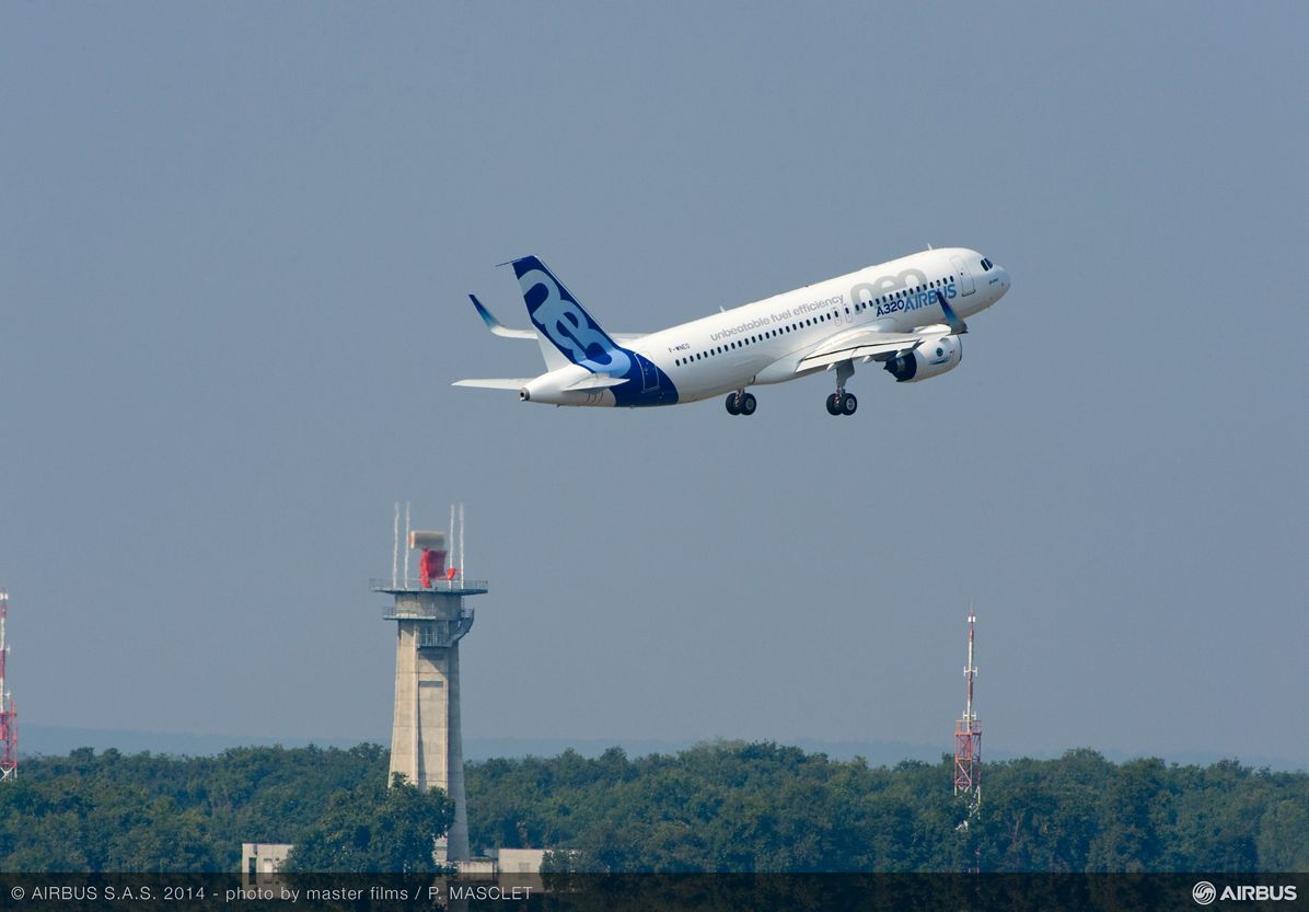 A320neo first flight take off 8