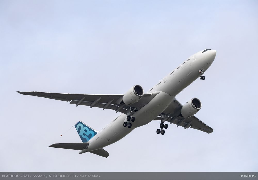 Airbus' A330neo weight variant – which benefits from a maximum take-off weight increase to 251 tonnes – takes off from Toulouse-Blagnac Airport runway