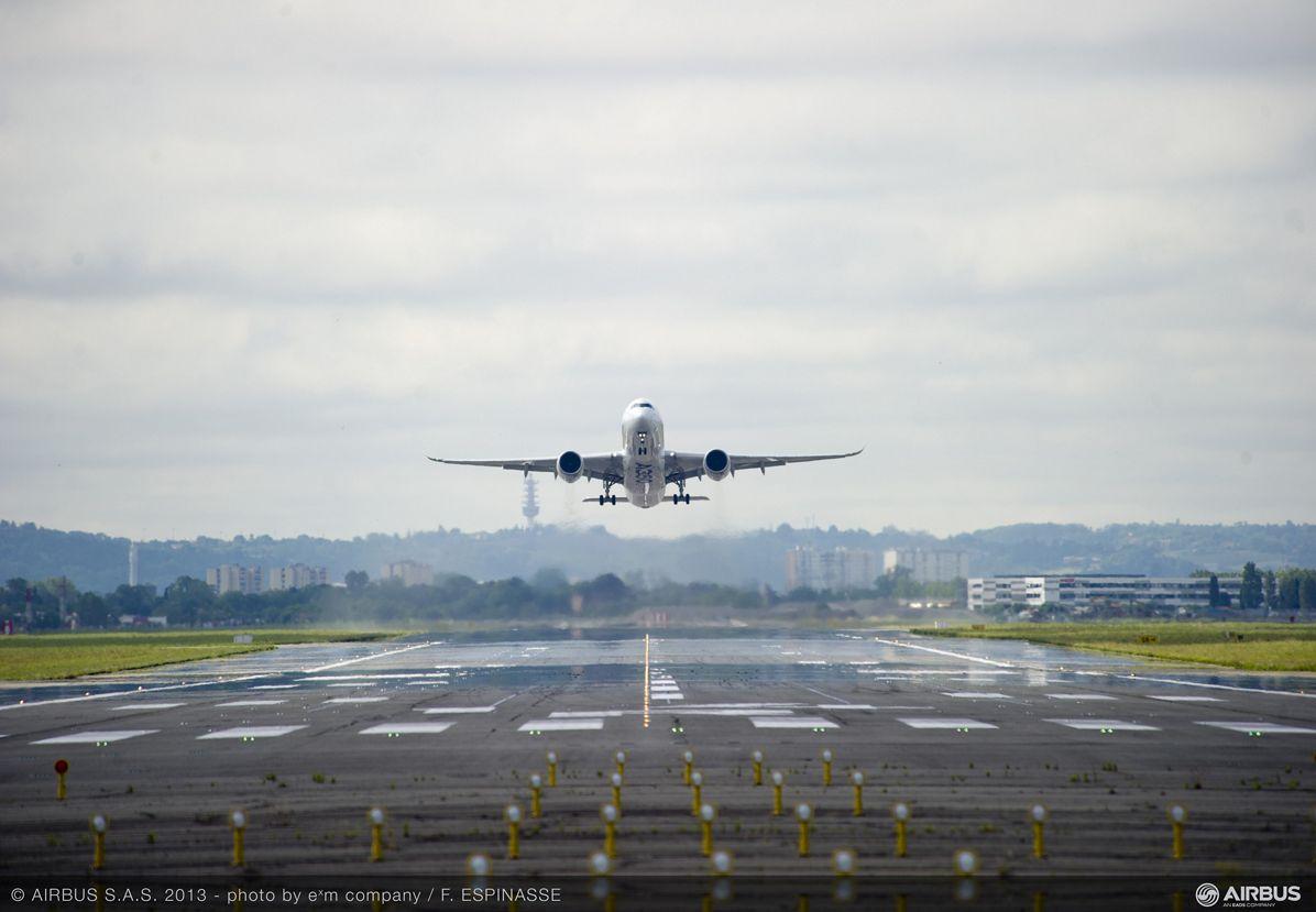A350 XWB first flight – Takeoff 5
