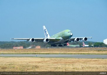 ANA A380 maiden flight – Takeoff