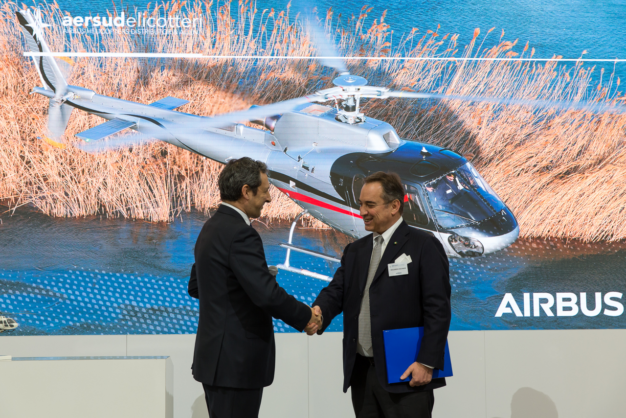 Aersud Elicotteri signs for two H125 and celebrates the 200th Ecureuil H125 in Italy