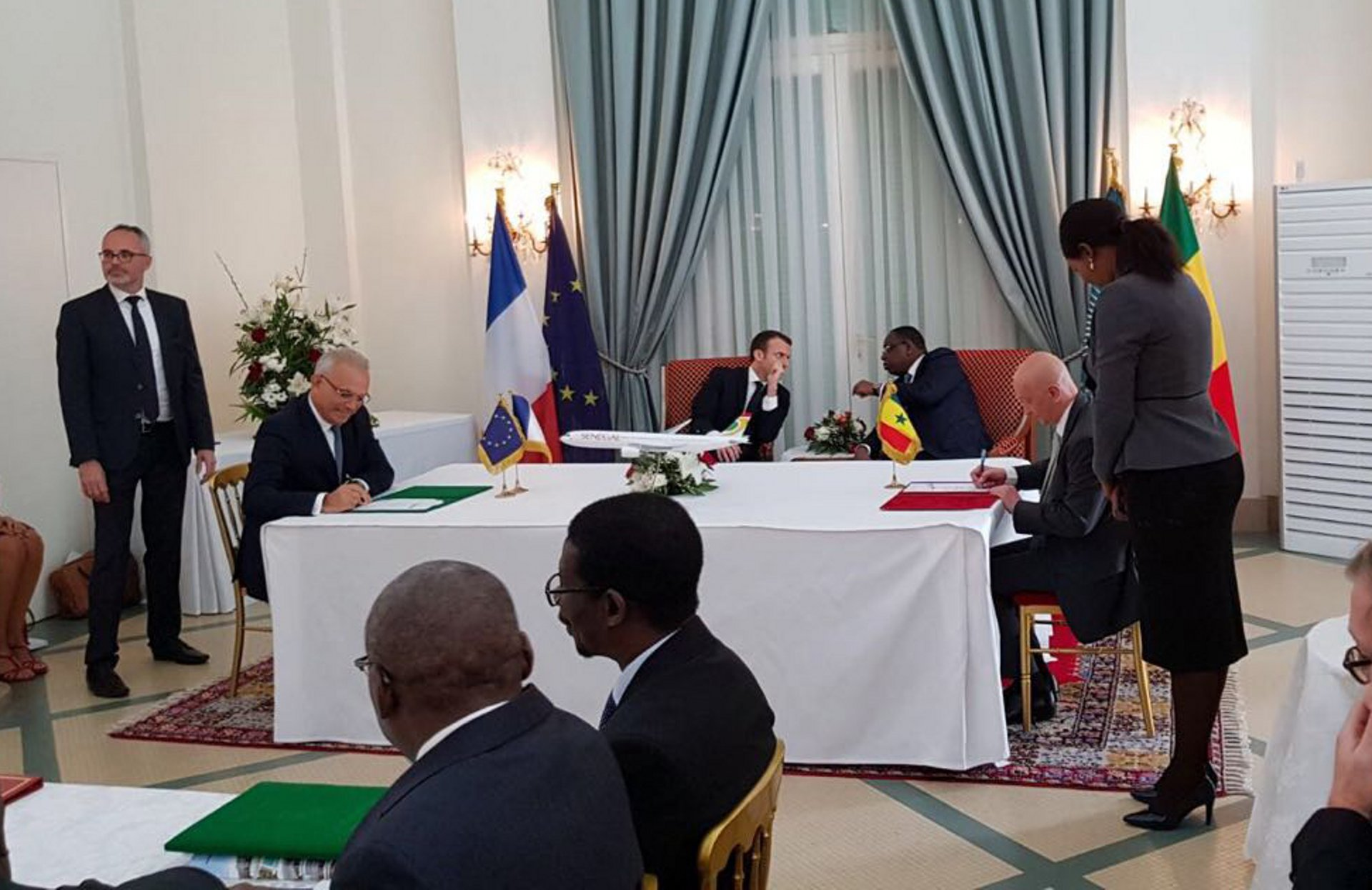 Air Sénégal's agreement for two A330neo aircraft was signed in Dakar by Philippe Bohn, CEO Air Sénégal and Fouad Attar, Head of Commercial Aircraft Airbus Africa Middle East, in the presence of the President of the French Republic, Emmanuel Macron on a state visit to Senegal, and Macky Sall, President of the Republic of Senegal