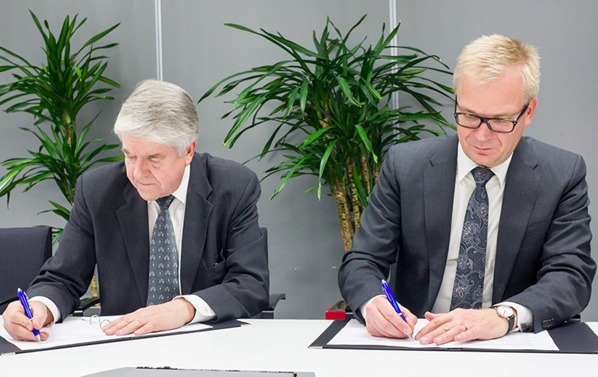 Contract signature between Airbus and Suomen Virveverkko Oy  for the modernisation of the Finnish nationwide Tetra network VIRVE