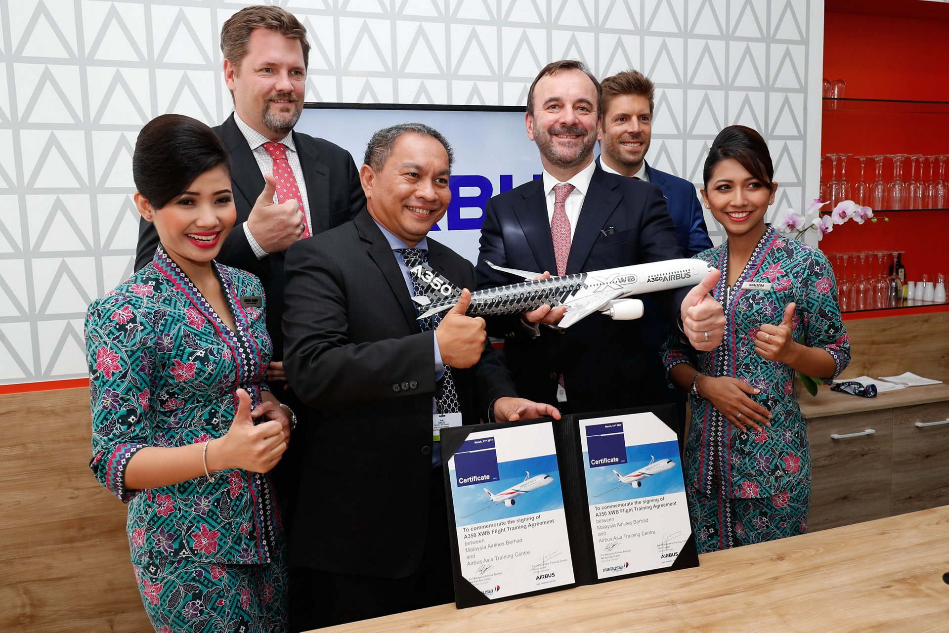 Malaysia Airlines Berhad_A350 XWB training agreement