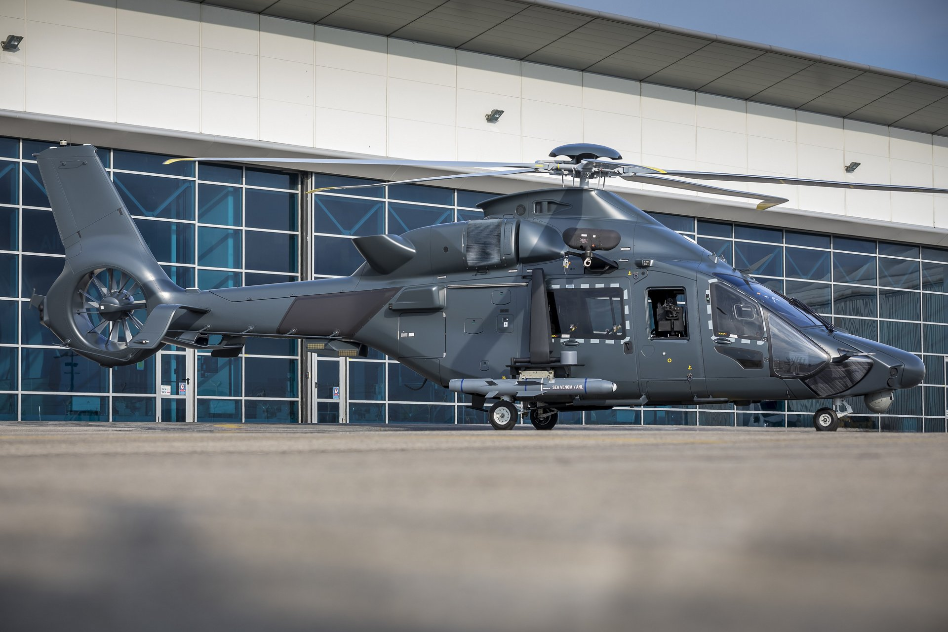 The HIL programme, for which the Airbus Helicopters' H160 was selected in 2017, was initially scheduled for launch in 2022 by the current military budget law. Launching the programme earlier will enable delivery of the first H160Ms to the French Armed Forces to be advanced to 2026.