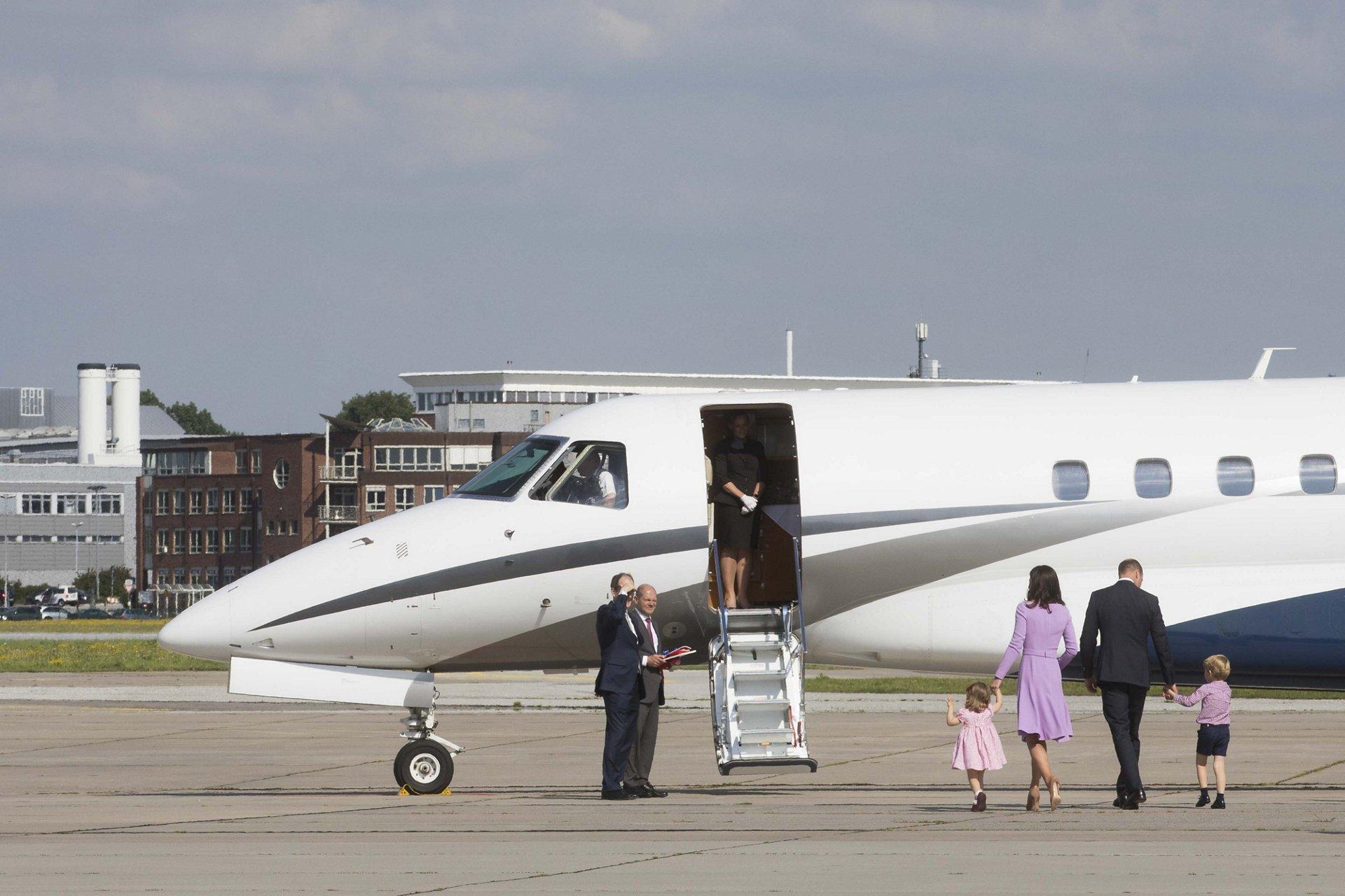 Kate William Visit Airbus 010