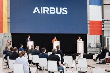 Defence Ministers of Germany and France visit Airbus in Manching (66)