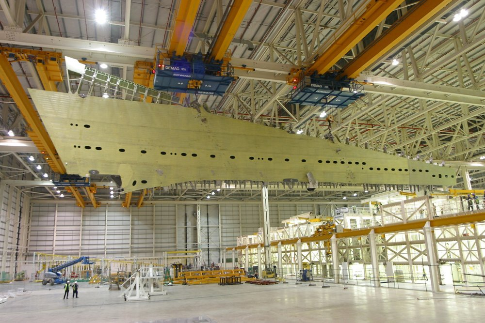 The first A380 wing was removed from its main assembly jig at Airbus' factory in Broughton, North Wales (UK) on November 4, 2003.