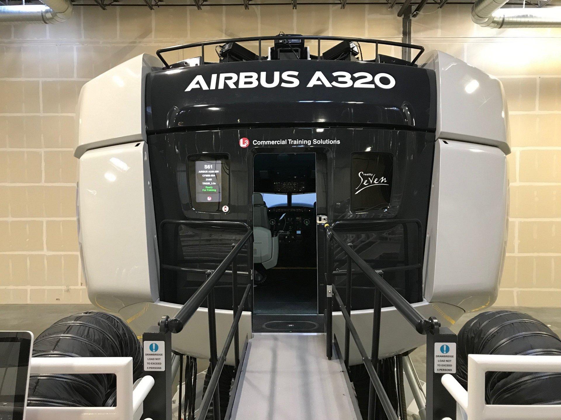 Primer simulador del A320neo nivel D de América en Denver.