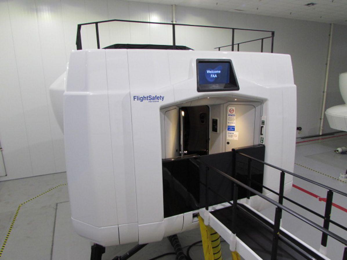 A350 XWB full-flight simulator in Miami_2