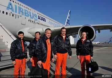 A350 Trent XWB engine first flight on A380 crew