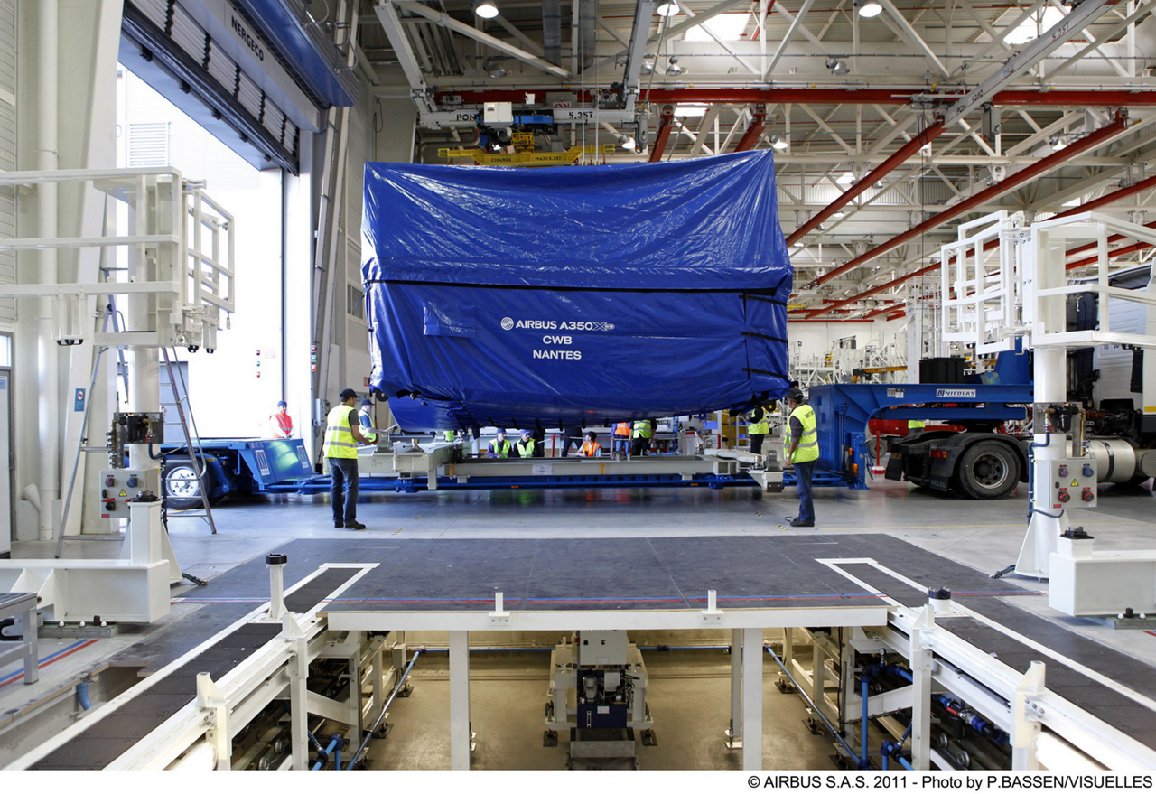 The first A350 XWB centre wing box has been delivered from Airbus' site in Nantes, France to Airbus' St Nazaire, France facility –where it will be assembled into the first A350 XWB fuselage (9 August 2011)