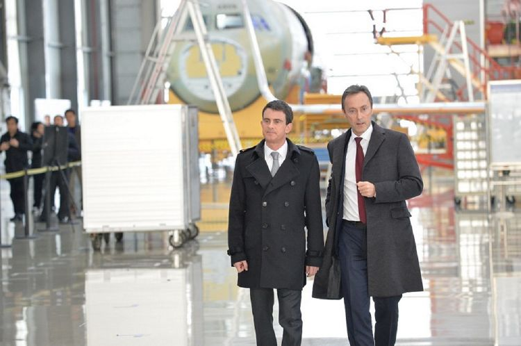 , French Prime Minister at Airbus' FALC