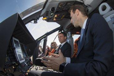 Visite de Emmanuel VALLS, 1er Ministre à Airbus Helicopters