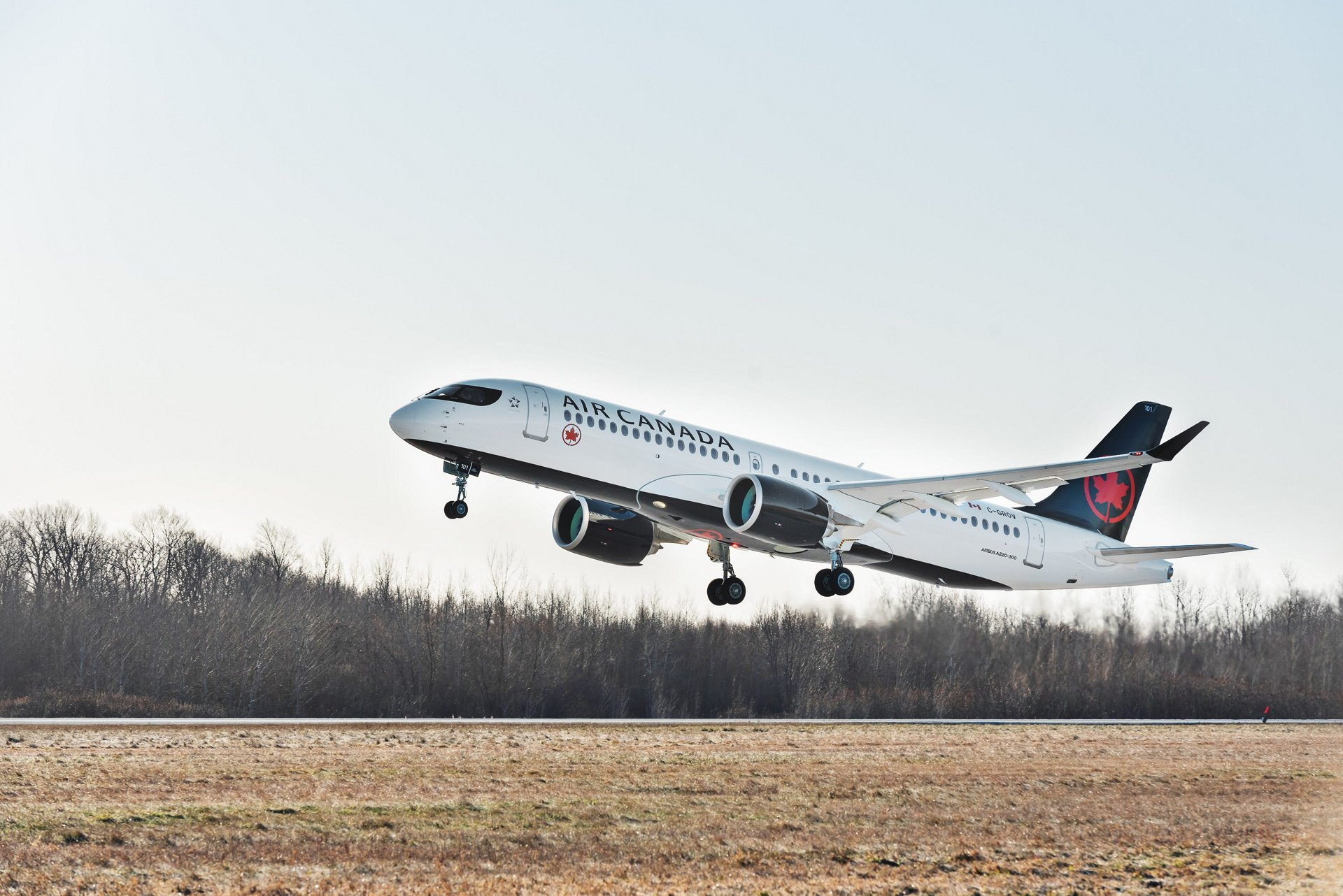 Air Canada鈥檚 first A220-300 takes to the skies