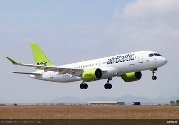 A220-300 airBaltic landing