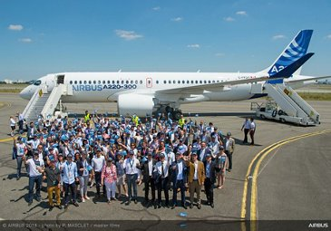 Airbus introduces the A220-100 and A220-300 - Commercial Aircraft