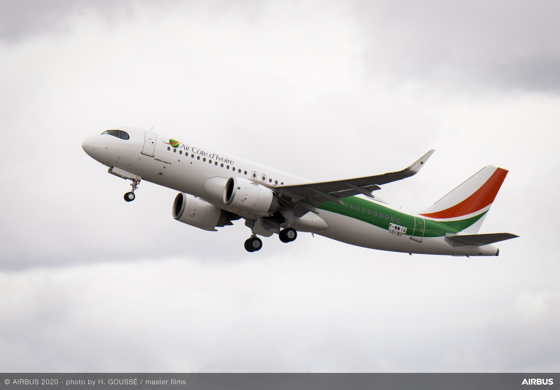 Air Côte d'Ivoire, Ivory Coast's flagship carrier based in Abidjan, has taken delivery of its first A320neo, becoming the first operator of the type in the West-African region. This latest generation aircraft will join Air Côte d'Ivoire's existing Airbus fleet of six aircraft.