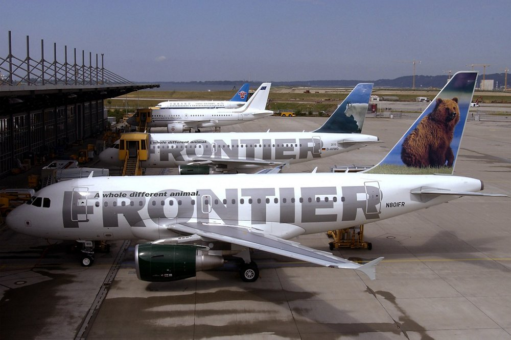 Airbus delivers the first A318 to U.S. carrier Frontier Airlines (July 2003)