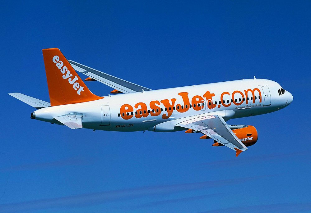 EasyJet receives the first of 120 Airbus A319s ordered by the low-cost carrier (September 2003)
