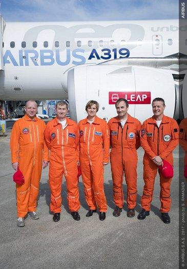 A319neo_First flight crew 1