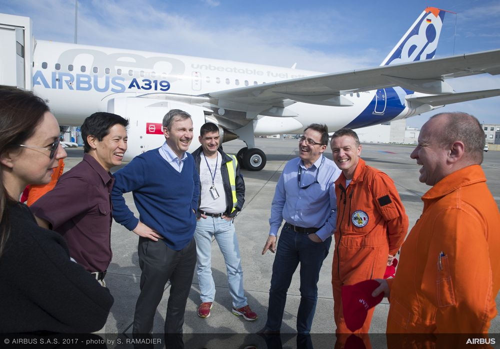 A319neo_First flight crew 3
