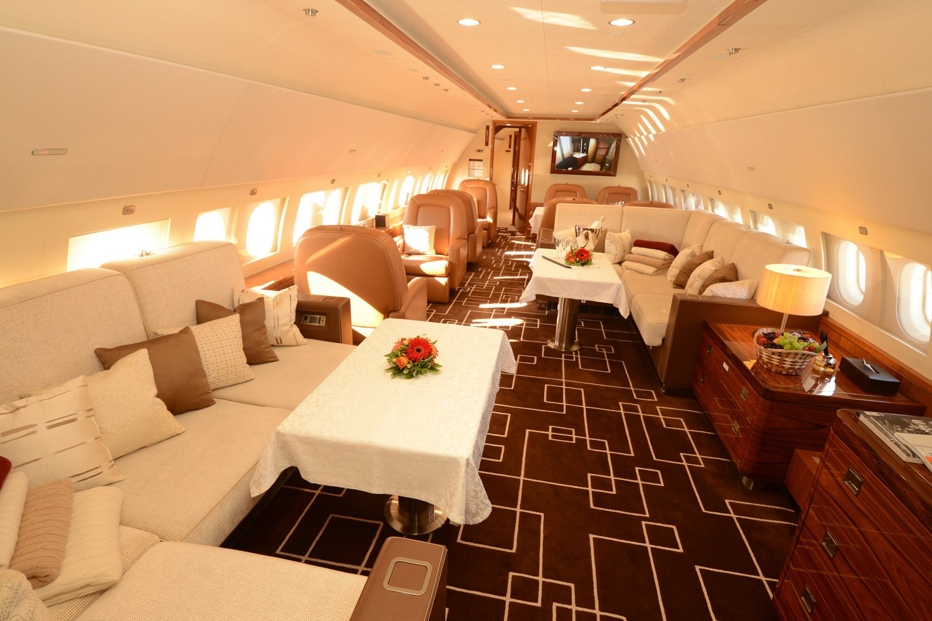 The MJet ACJ319 to be displayed at the 2019 Russian Business Aviation Exhibition (RUBAE) features a spacious lounge